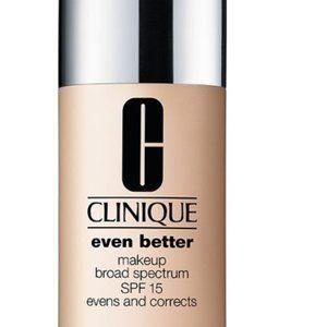 CLINIQUE Even Better Foundation Makeup WN04